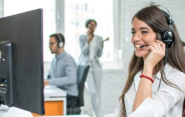 how to manage a customer service team